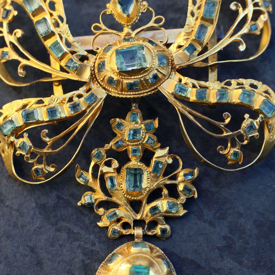 18th c Spanish Iberian Emerald Pendant 18k Gold