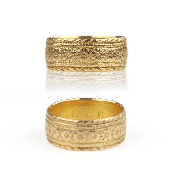 1875 Solid 18k Gold Floral Chased Victorian Ring