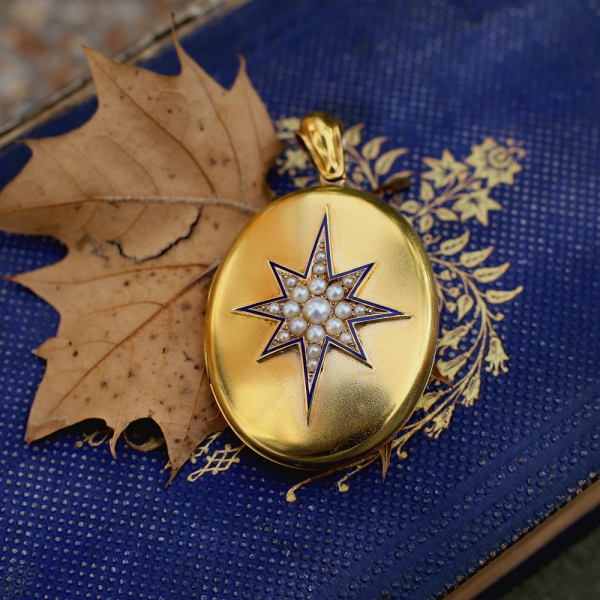 1878 Victorian 'North Star' 15k Gold Locket
