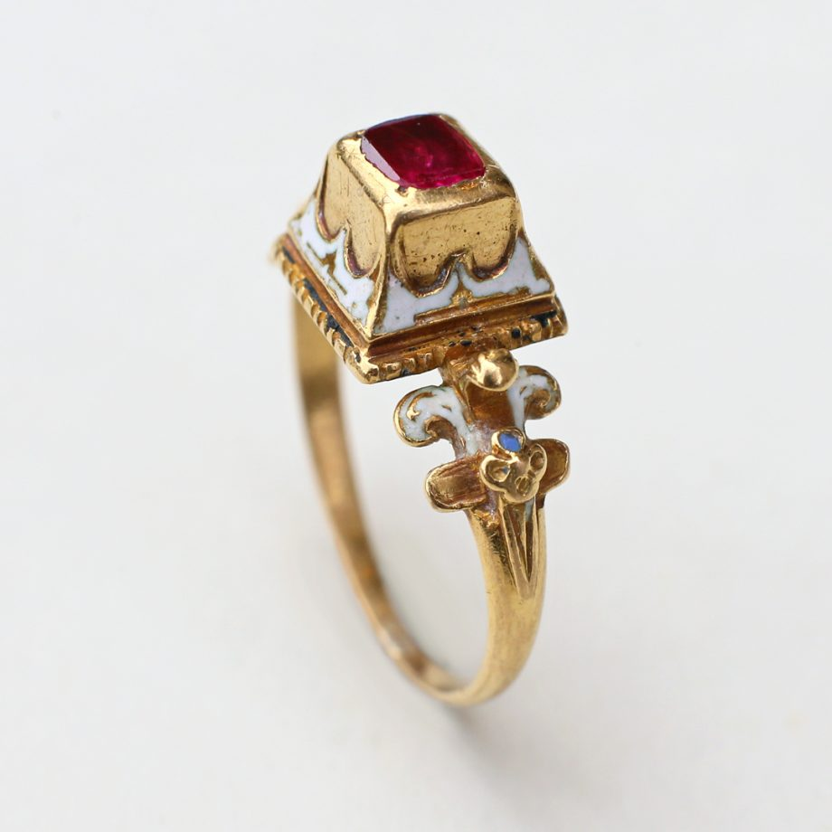 Late Renaissance Enameled Gold Ring with Table Cut Burmese Ruby, c. 1580-1620, West European
