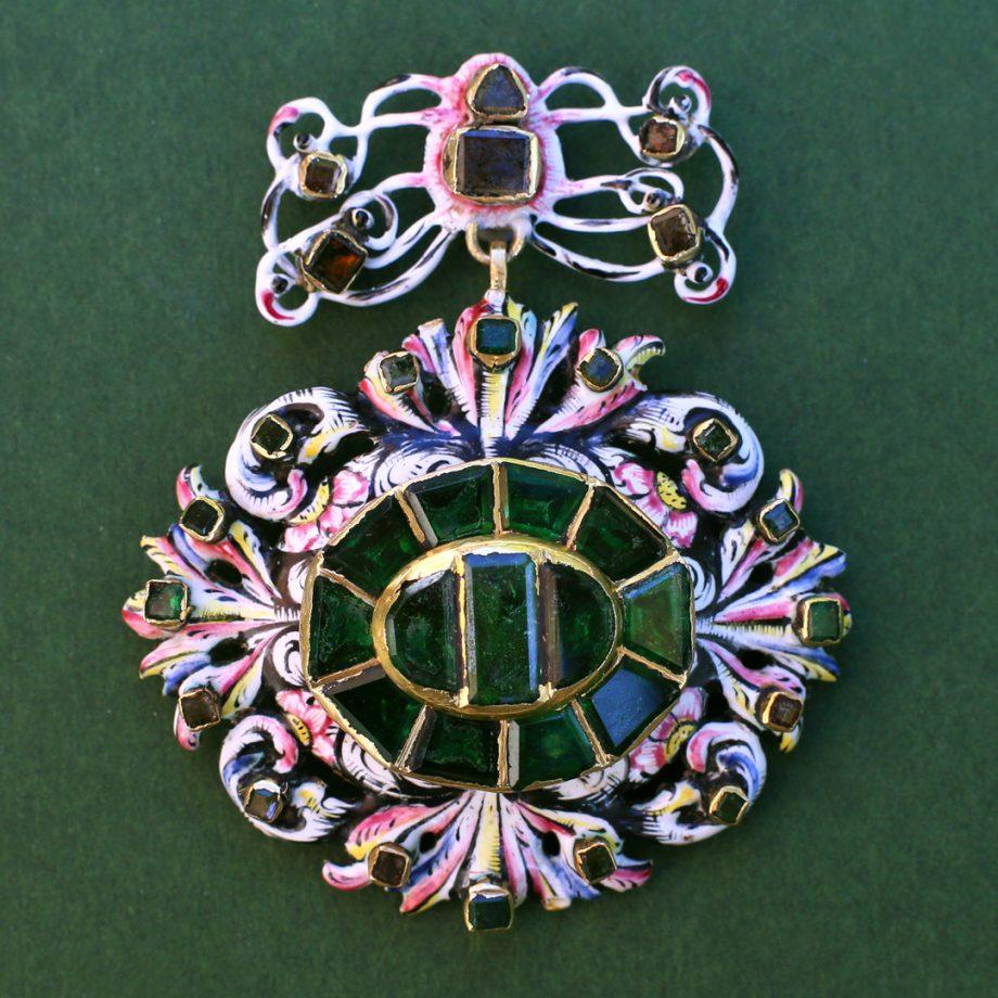 17th century pendant