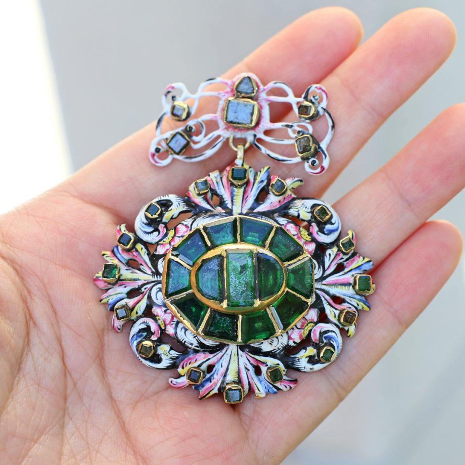 17th century enameled pendant