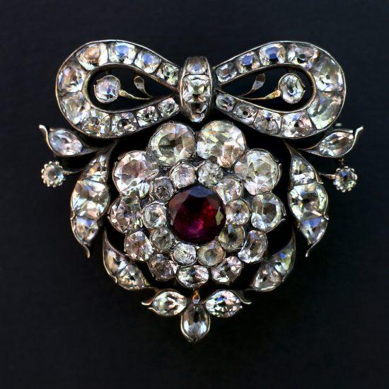 Late 18th c Portuguese Minas Novas Heart Brooch