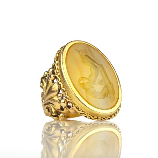Victorian Agate Intaglio Ring of Lovers Embracing