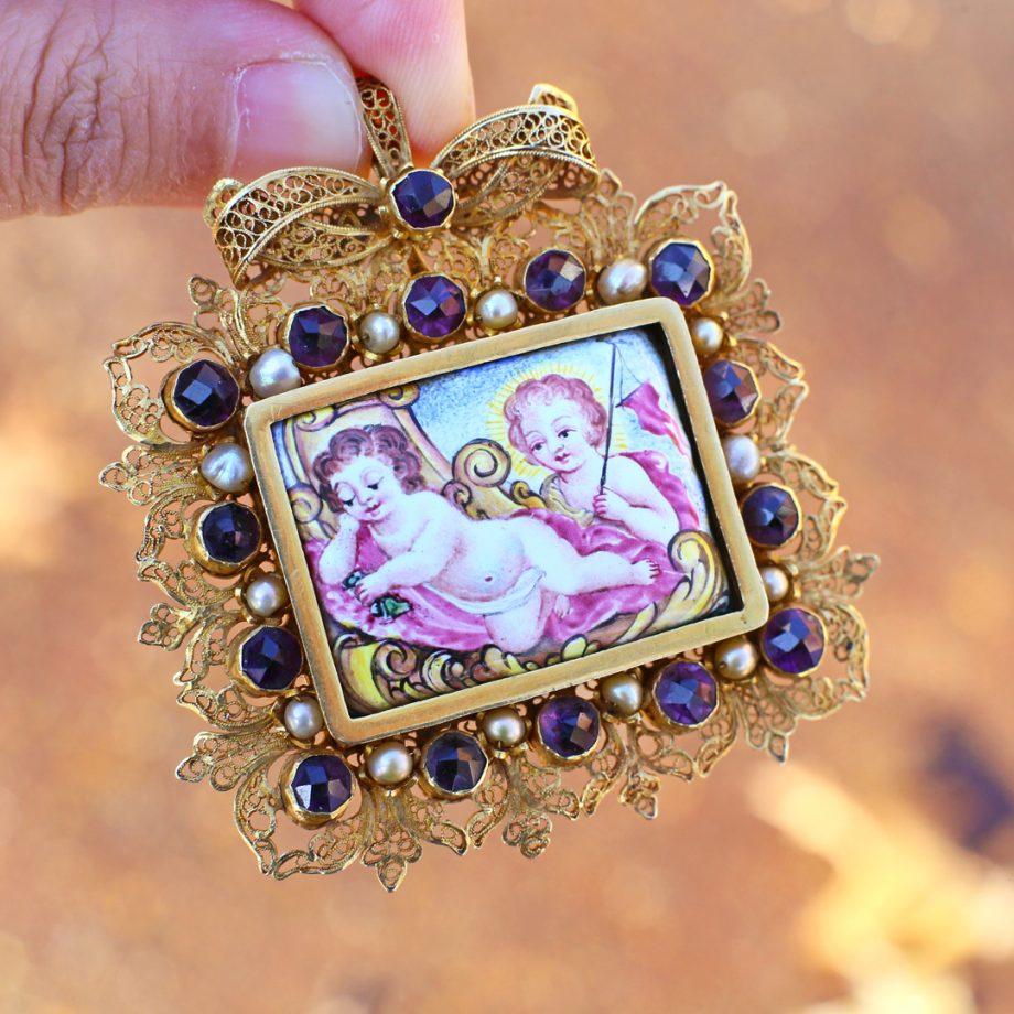 17th century devotional jewelry