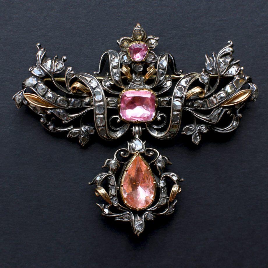 18th c Portuguese pink topaz pendant