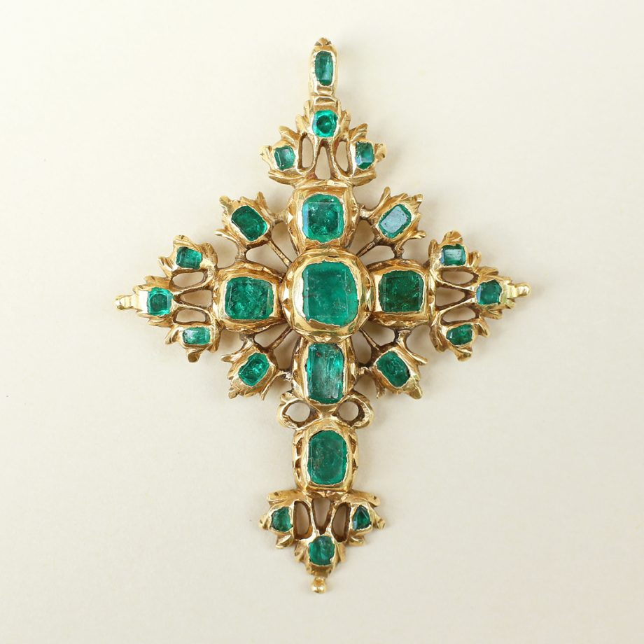 c. 1700 Italian or Spanish Emerald Cross, 18k Gold Late Baroque 17th 18th century