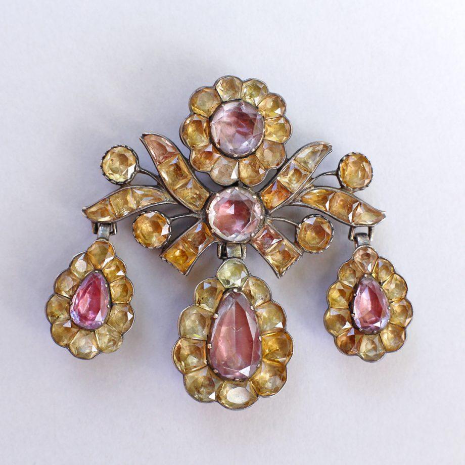 Portuguese girandole pendant