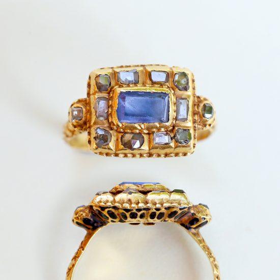 17th century sapphire ring